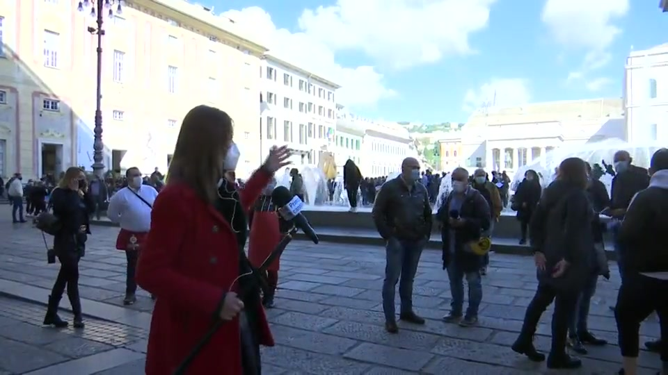 Dpcm, va in scena la protesta: commercianti in piazza a Genova